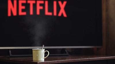Netflix lakberendezés – 7 + 1 tartalom az őszi estékre